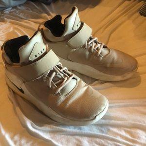 Nike khaki shoes